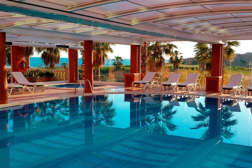 Hotel en Sitges con piscina cubierta