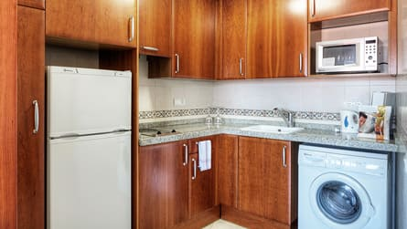 4-apartamento-familiar-con-vistas-piscina-cocina.jpg