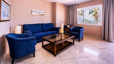 2-suite-vistas-mar-comedor.jpg