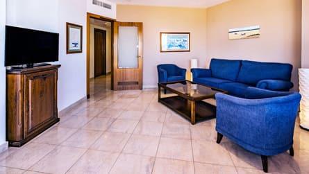 3-suite-vistas-mar-comedor.jpg