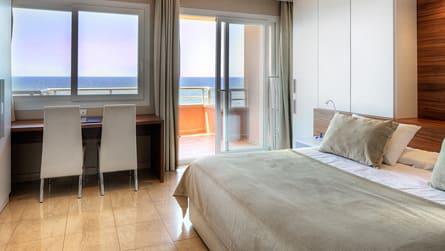 Junior Suite con vistas al mar o al mar y campo de golf (2-4 personas)