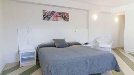 estudio-alquiler-turistico-dormitorio.jpg