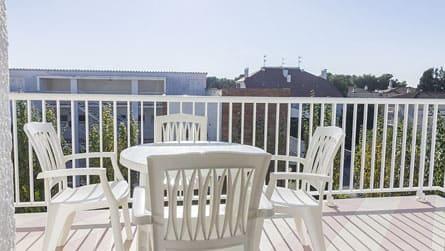 4-apartamento-2-4-personas-terraza.jpg