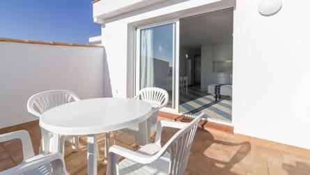 6-apartamentos-superior-sitges-terraza.jpg