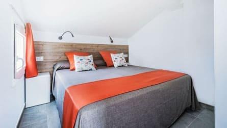 estudio-dos-personas-sitges-dormitorio.jpg