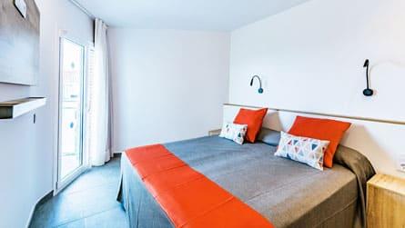 1-estudio-2-4-personas-dormitorio.jpg