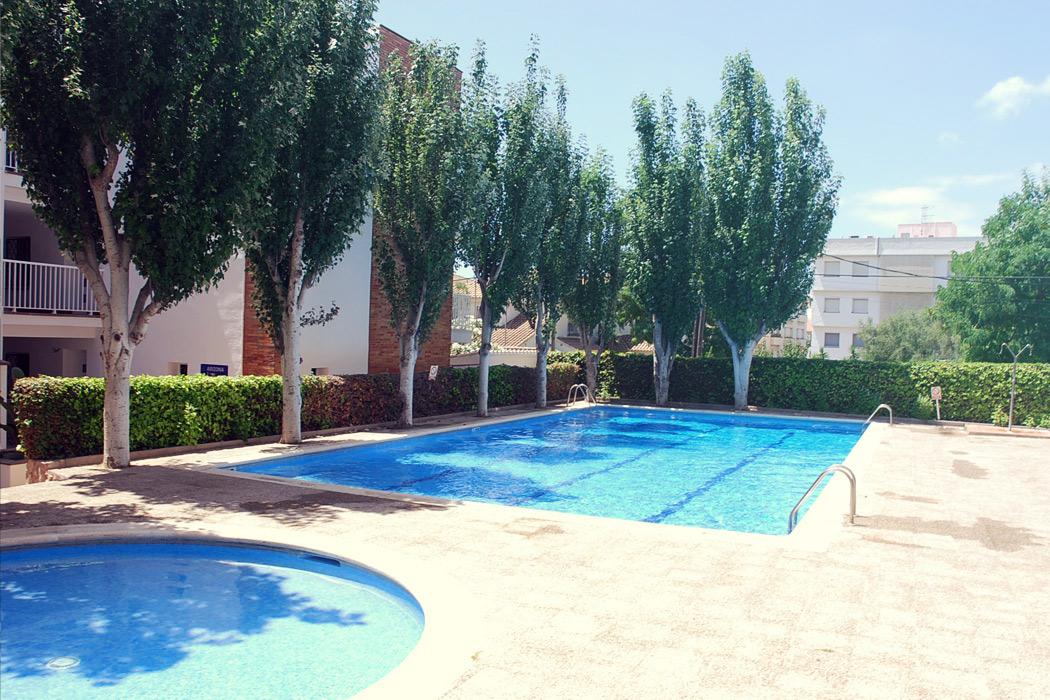 Apartamentos Turísticos Arizona Sitges con piscina