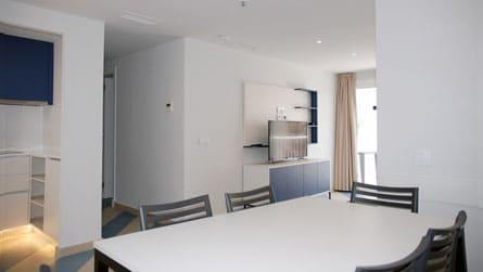 1-apartamento-familiar-sitges-comedor.jpg