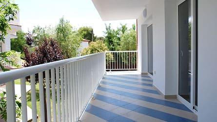 6-apartamento-familiar-sitges-terraza.jpg