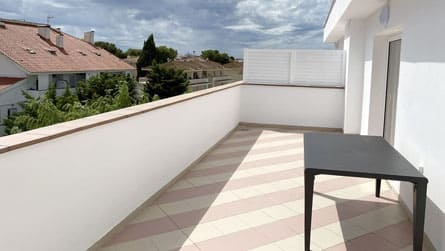 4-estudio-familiar-sitges-terraza.jpg