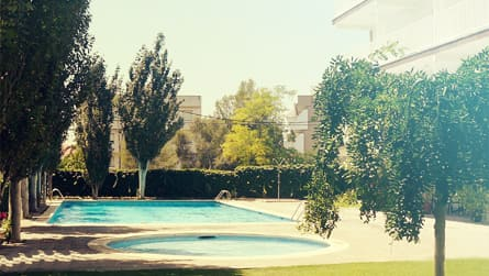 apartamentos-con-piscina-sitges.jpg