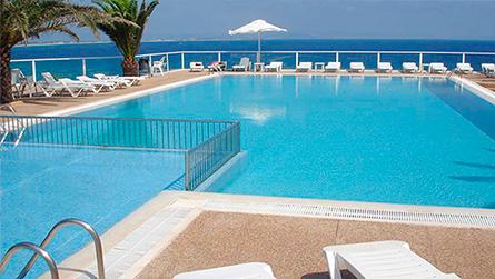 1-punta-prima-apartamentos-piscina-exterior.jpg