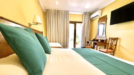 1-habitacion-triple-hotel-formentera.jpg