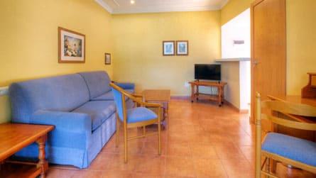 2-apartamento-formentera-salon.jpg