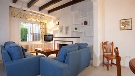 1-casa-turistica-sitges-salon.jpg