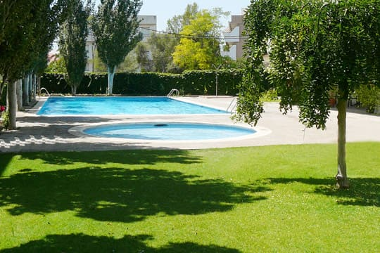 Casa vacacional con piscina comunitaria en Sitges
