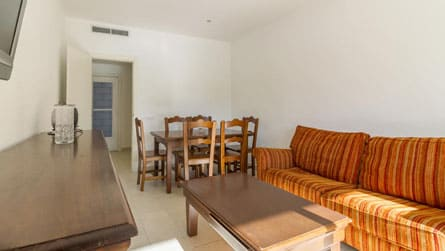3-apartamento-4-6-personas-comedor.jpg