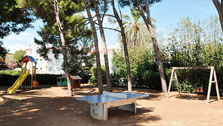 apartamentos-talaia-parque-infantil-sitges.jpg