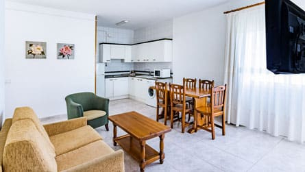 3-apartamento-vacacional-sitges-comedor.jpg