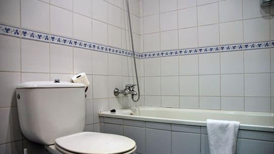 5-estudio-turistico-sitges-lavabo.jpg